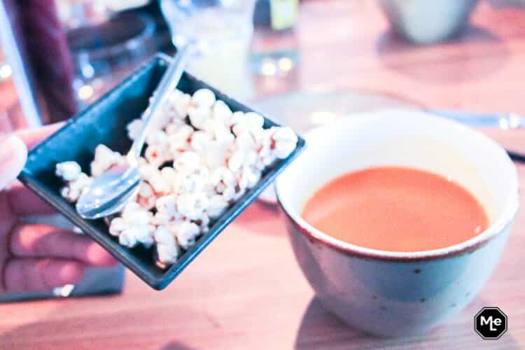 2de gang popcorn met pompoensoep