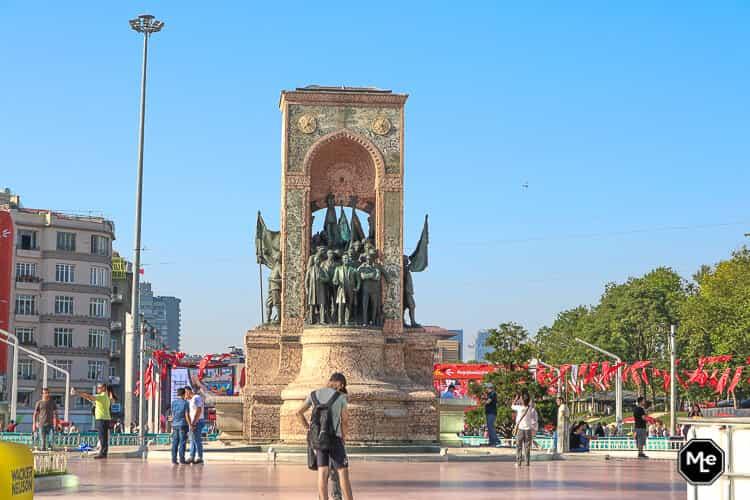 Bezienswaardigheden in Istanbul - taksim plein