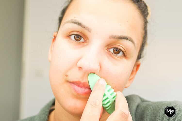 Bovenlip ontharen met de facial hair remover pad