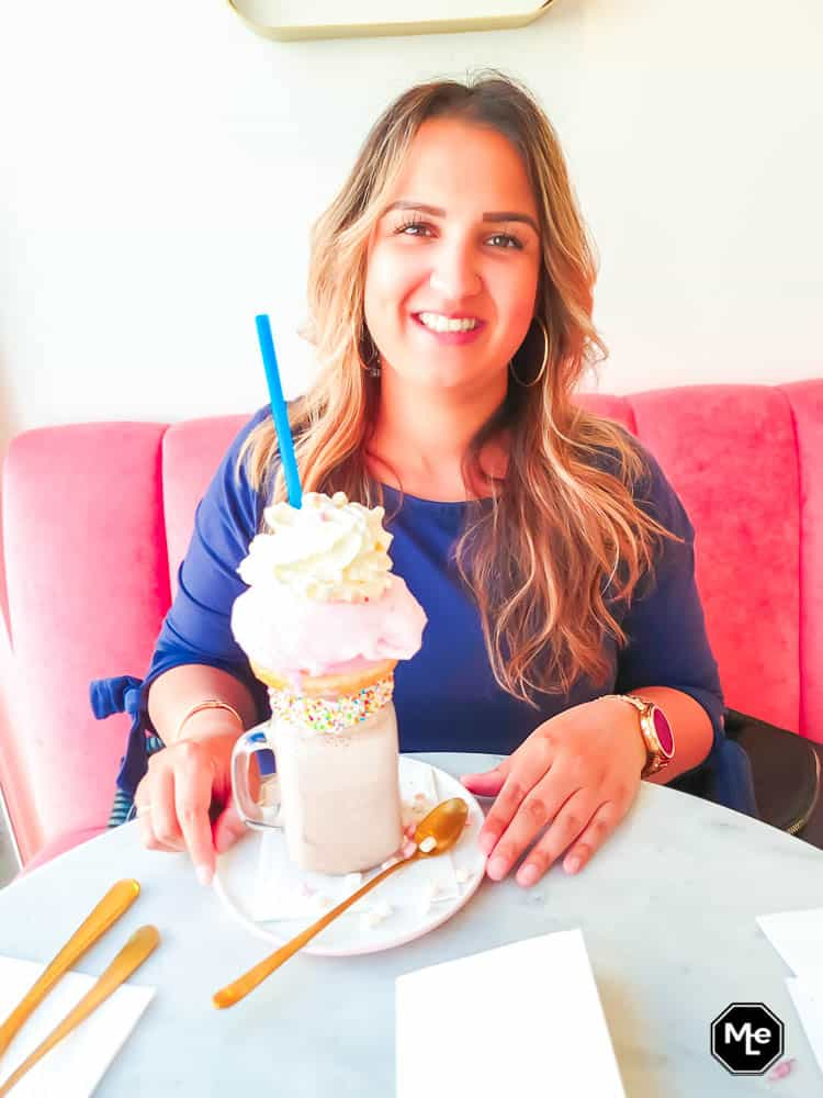 frenchie café - me and my freakshake