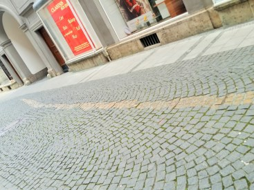 The Golden Line leading down the Viscardigasse
