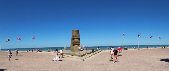 Signal monument