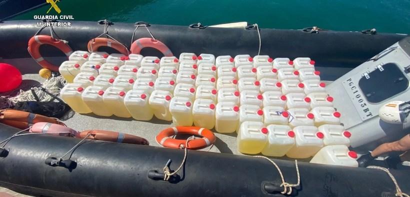 Intervienen una lancha y 1.525 litros de gasolina al narcotráfico