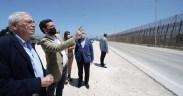 Pablo Casado en la valla de Melilla