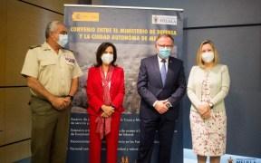 Melilla y el Ministerio de Defensa firman un convenio para mejorar la incorporación de personal militar al mundo laboral