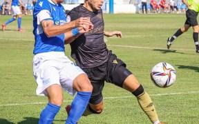 Pepe Romero, capitán de la plantilla de la U.D. Melilla, en el partido ante el Intercity
