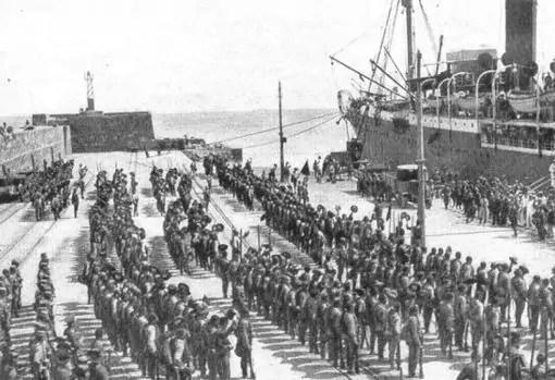 Llegada de la Legión a Melilla durante Annual