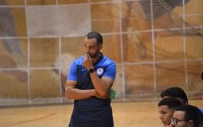 Faisal Salmi, entrenador del Melilla Baloncesto, se muestra muy decepcionado por la actitud de sus jugadores