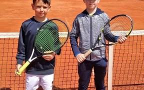 Jóvenes tenistas melillenses