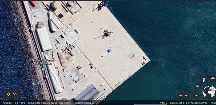 Superficie del puerto vacía