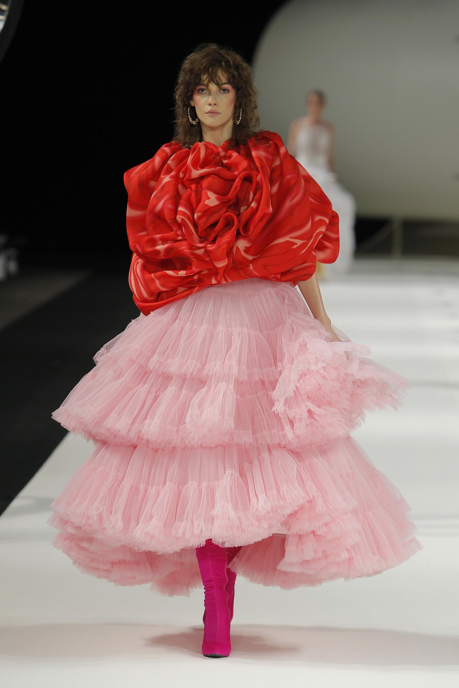 Vestidos de novia YolanCris 2019: Un homenaje a los iconos de la moda
