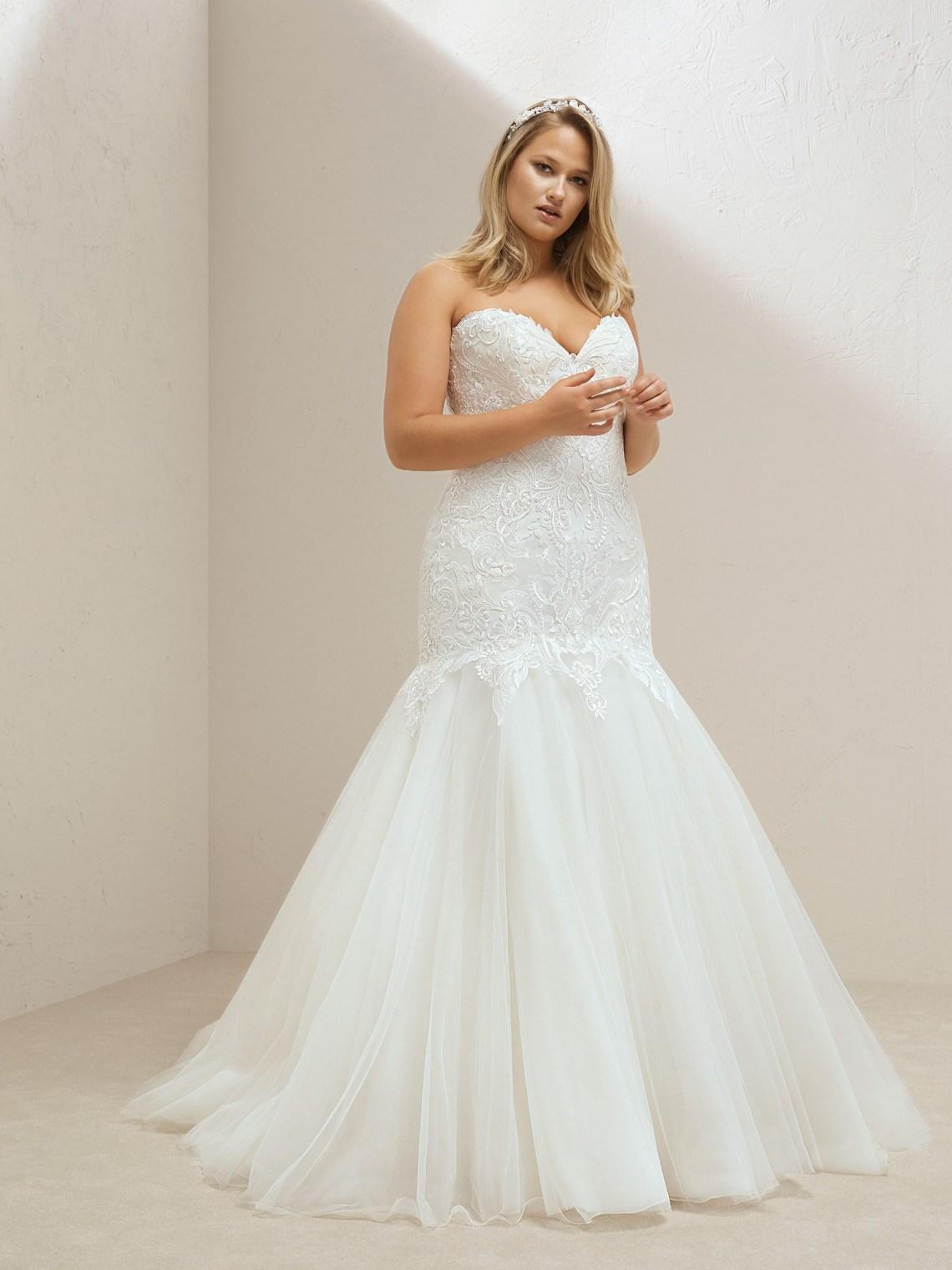 Pronovias Plus vestidos de novia para tallas grandes