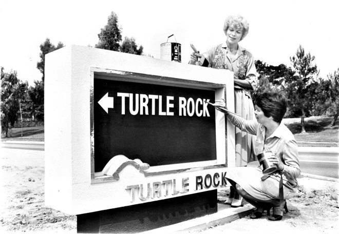 Turtle-Rock-Sign