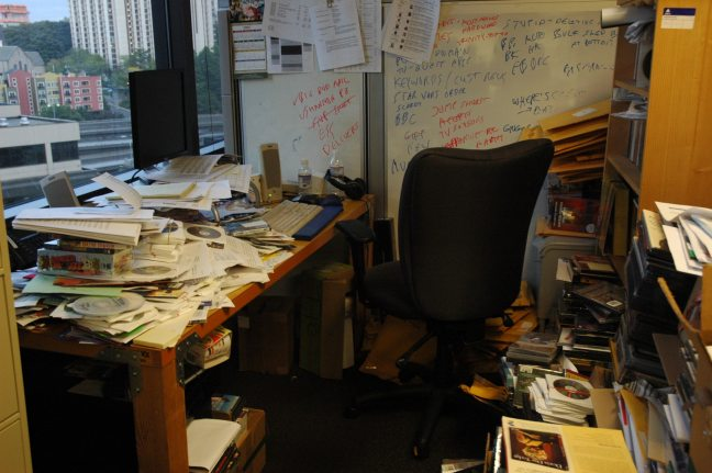 Messy-working-environment