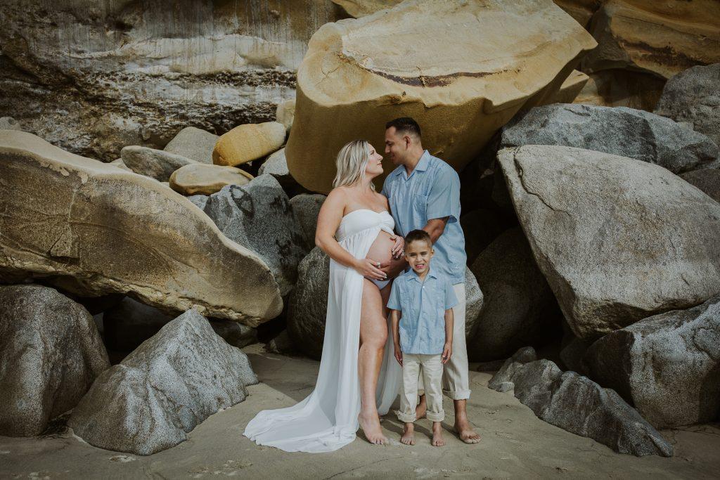 MATERNITY and FAMILY photos: Scripps Beach Pier