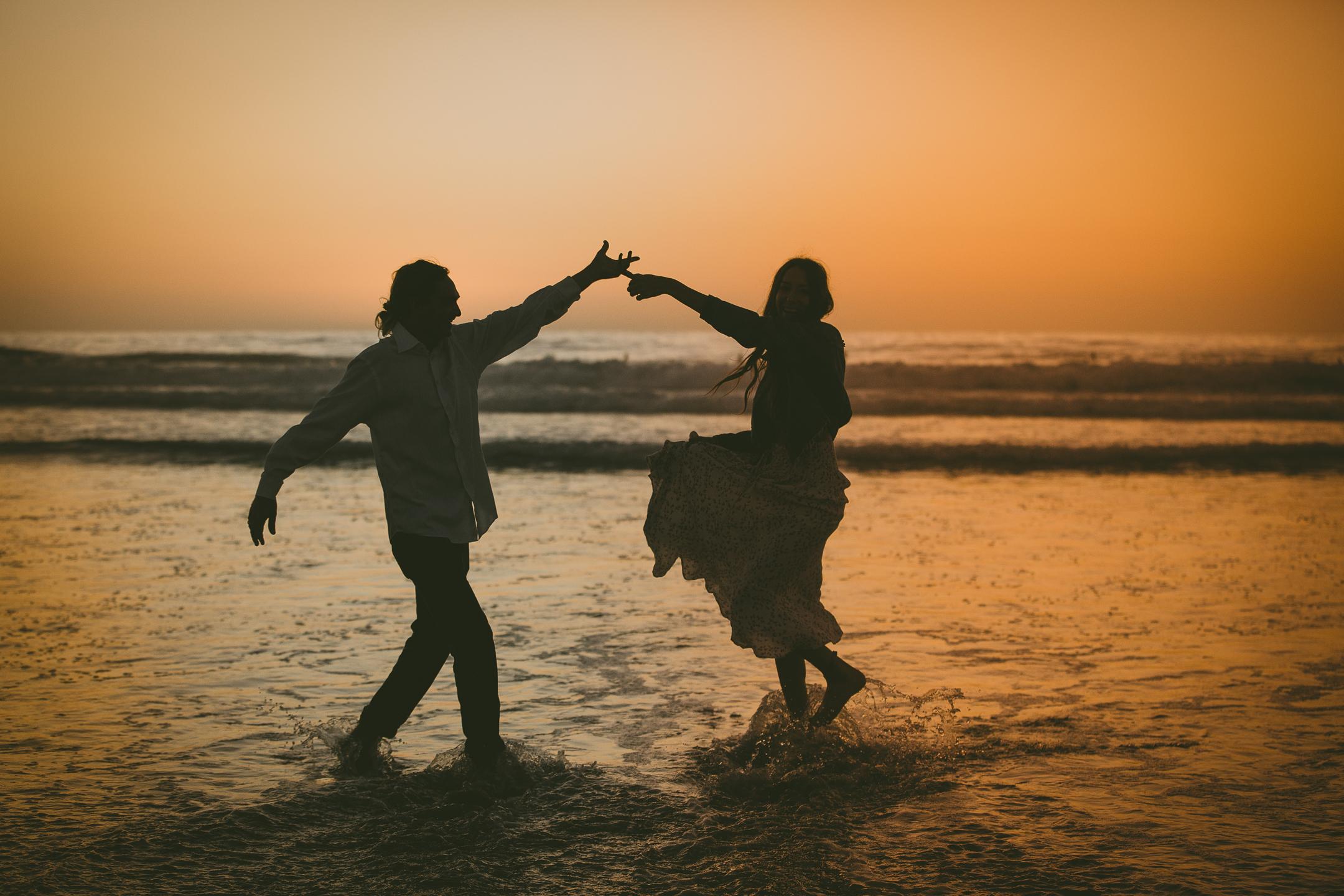 ENGAGEMENT photos: Scripps Beach, Scripps Swing
