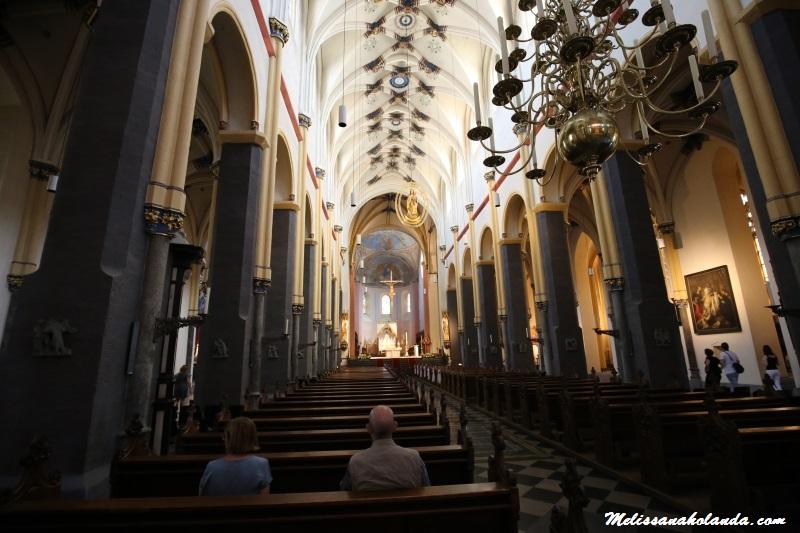 Interior da Basílica São Servácio