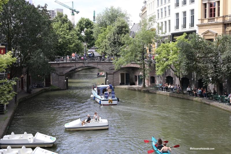 Passeio de barco nos canais de Utrecht