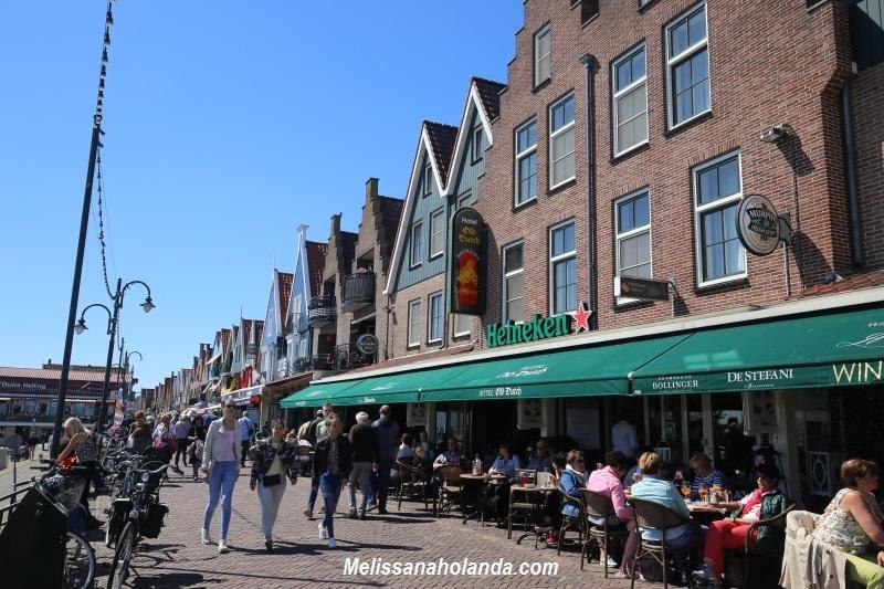 Bares em Volendam