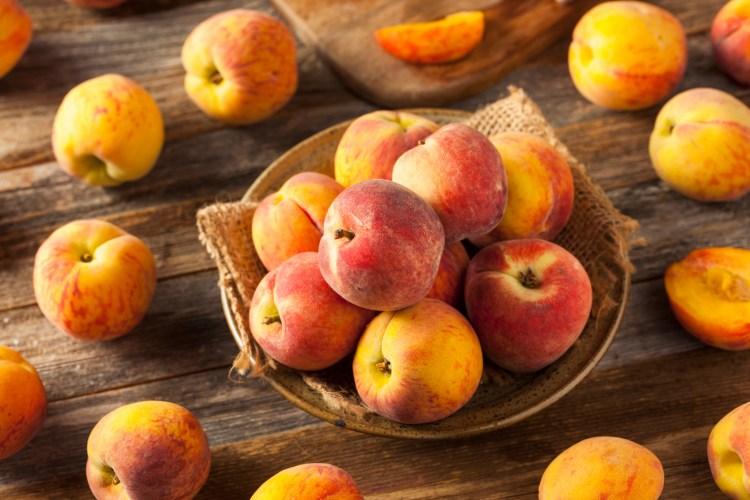 Fresh Juicy Organic Yellow Peaches