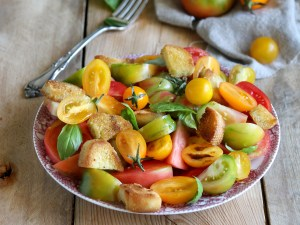 Panzanella salad with cubes of crusty bread and tomatoes