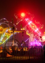 The Tornado and Zipper are two carnival rides featured at the Global Winter Wonderland. Photo Alejandro Montaño.