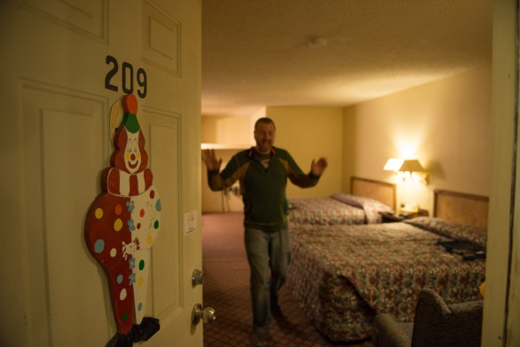bodie-mono-lake-clown-motel-127