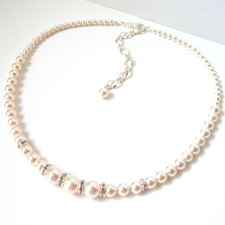 pearl rhinestone necklace