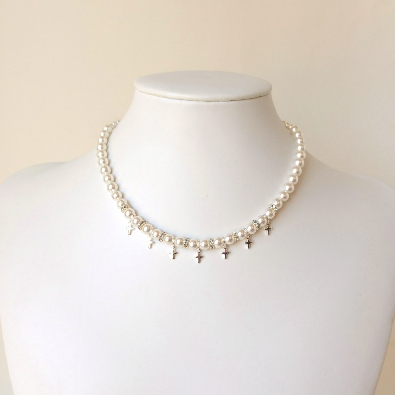 girls silver cross and pearl necklace2