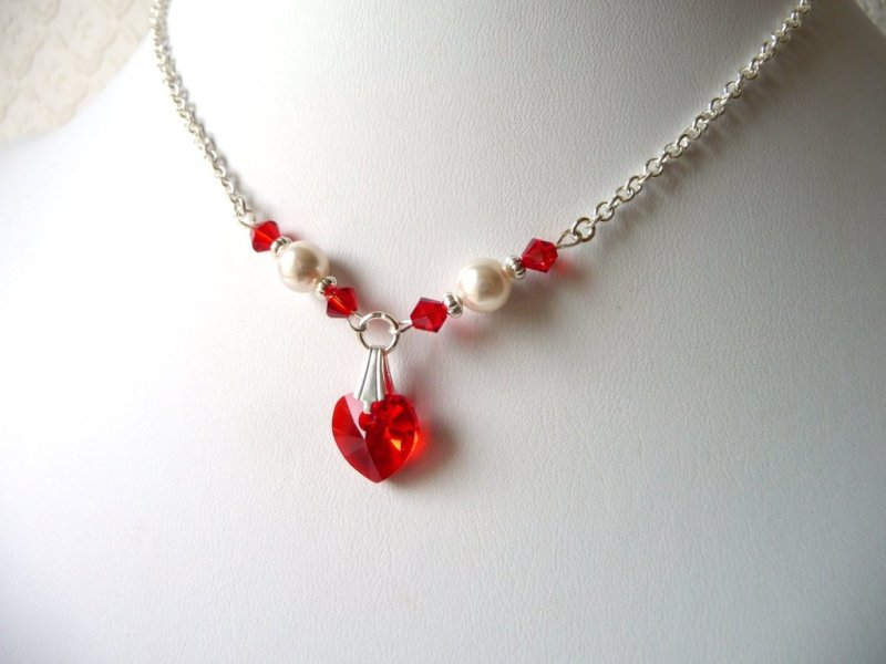 GN16-girls-pearl and red crystal heart necklace