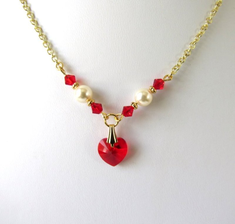 GN22-girls pearl and red crystal heart necklace with gold accents