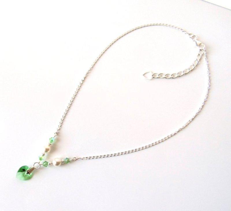 GN8-Girls-peridot-necklace