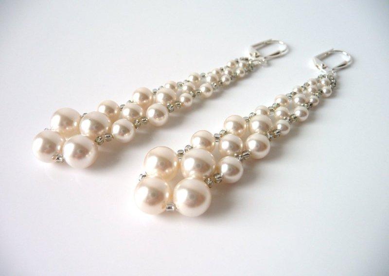 -long pearl earrings