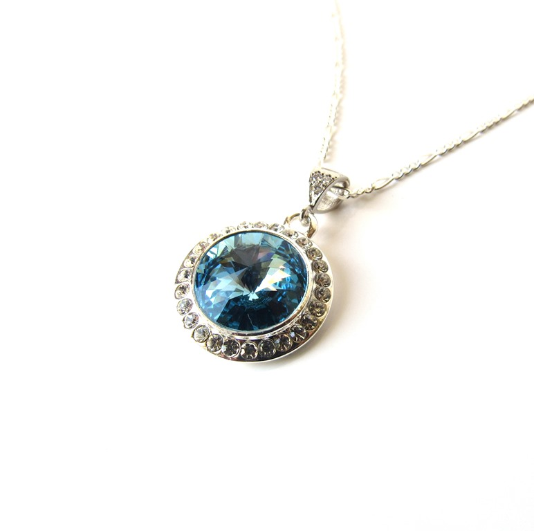 -aquamarine and silver pendant necklace
