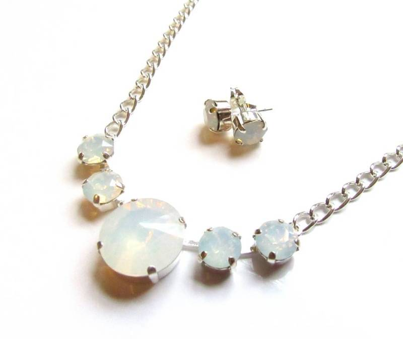 WS18-Swarovski White Opal Crystal Necklace & Earring Set