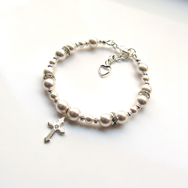 -girls pearl bracelet with cross charm