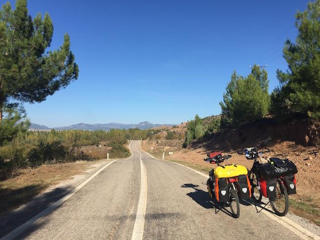 yesil-yol-bisiklet-manzara