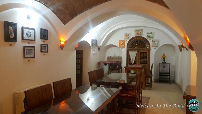cafe-art-house-inside yazd city guide