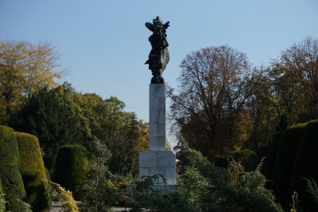 Fransa'ya Şükran Anıtı Belgrad gezi rehberi