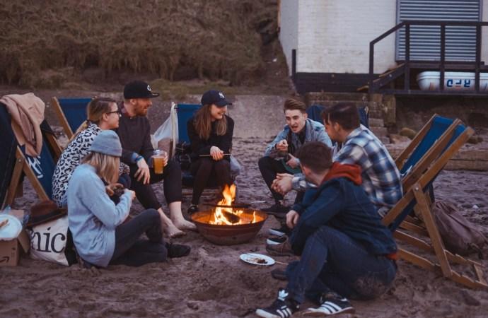 Yetişkinler için kamp oyunları fikirleri   7 Eğlenceli Oyun