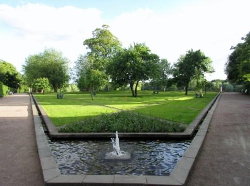 Pildammsparken, fontän och gräsmatta Malmö