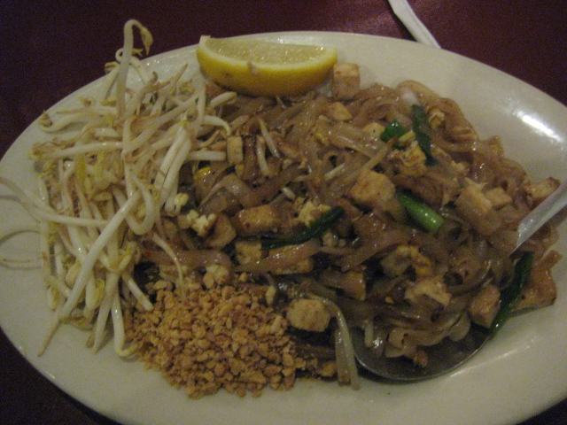 Thai Taste | San Antonio, Texas | Pad Thai