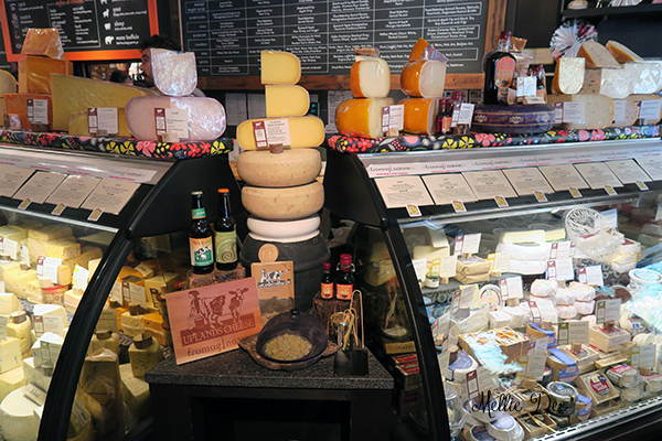 Fromagination | Madison, Wisconsin | Cheese Case Display