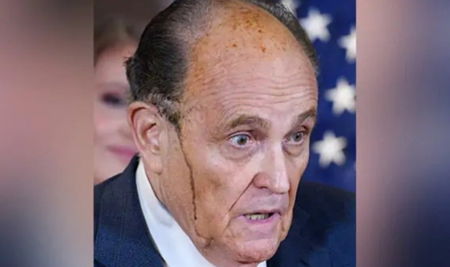 Donald Trump lawyer Rudy Giuliani was seen sweating black