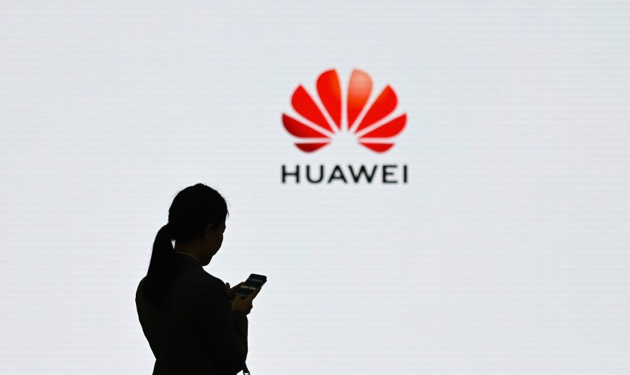 Huawei sells off its Huawei Honor brand to avoid bankruptcy