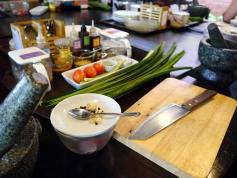 Les ingrédients de la marinade pour le poulet et la salade de papaye verte