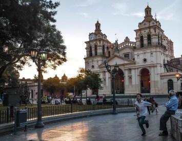 Plaza San Martin et la Cathédrale