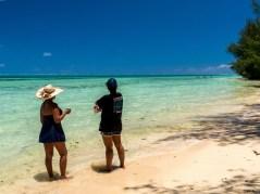 Ma'a sur la plage à Tubuai