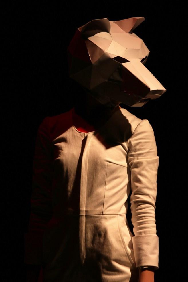 Scénographie théâtre Les Couleurs de l'Oiseau Blanc, le loup, Assilem décors, scénographe Bordeaux, peintre en décor, peinture décorative