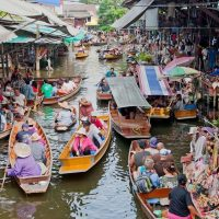 8 Famous Floating Market Bangkok You Must Visit